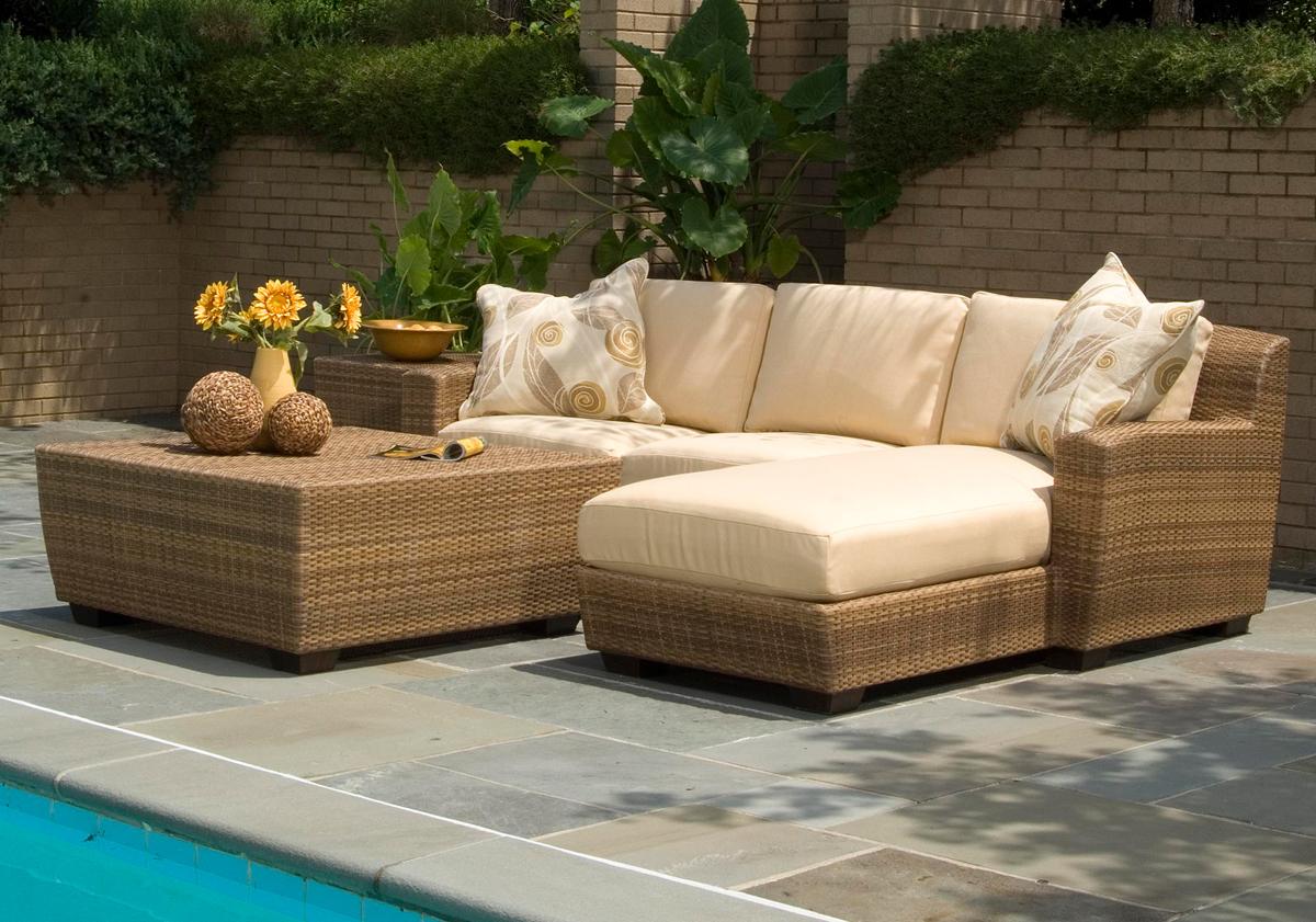 3 tips when buying wicker garden furniture